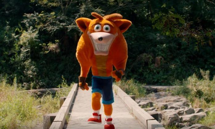 Crash Bandicoot en live-action revient dans une publicité japonaise déconcertante